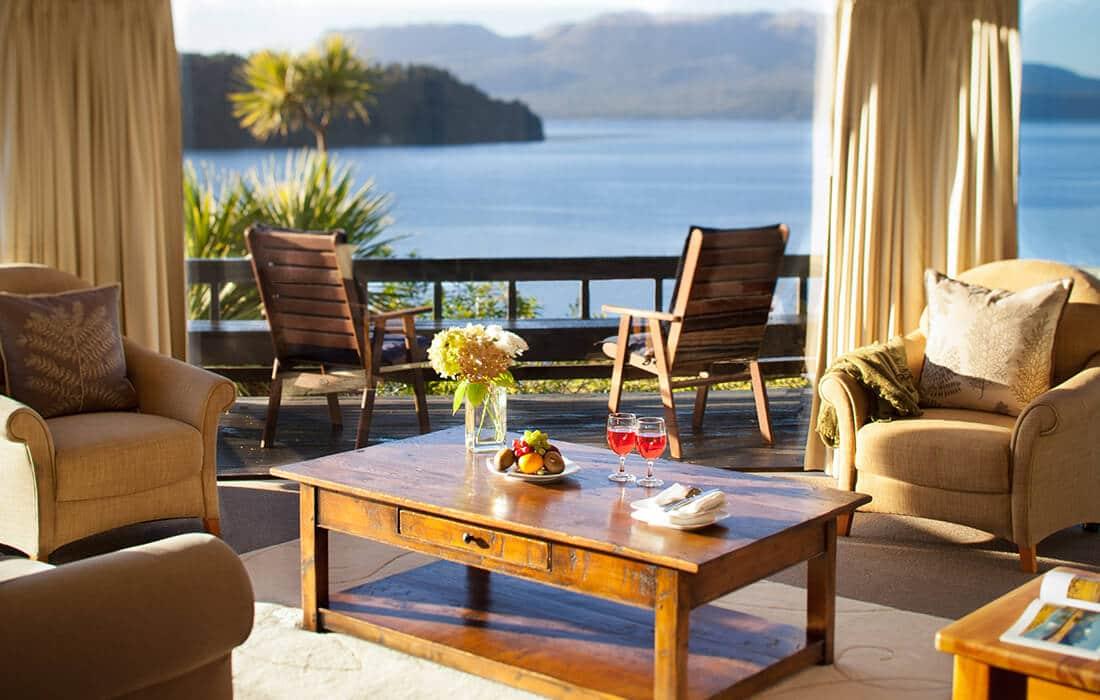 Solitaire Suite Lounge