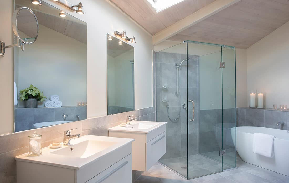 Tarawera Suite Bathroom