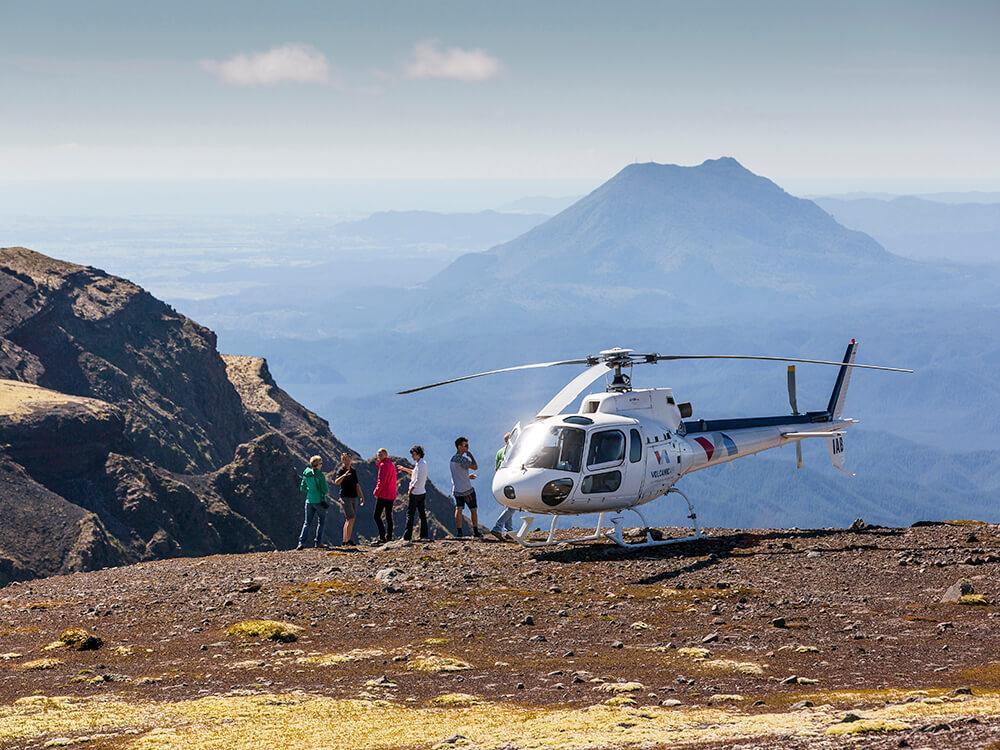 Helicopter ay Mount Tarawera